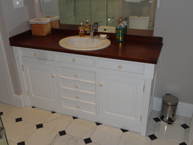 Mueble para lavabo muebles de la granja for Mueble lavabo madera