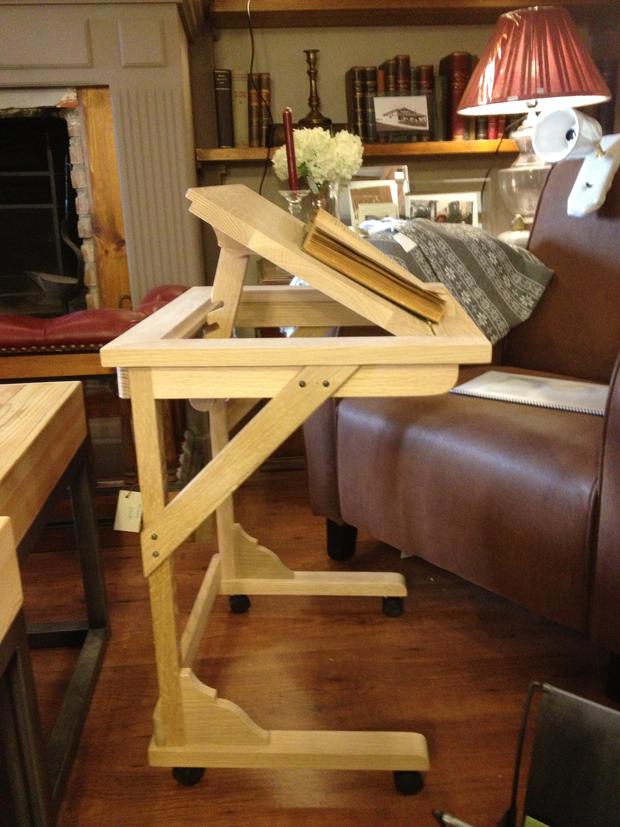 Mesa auxiliar de sofá