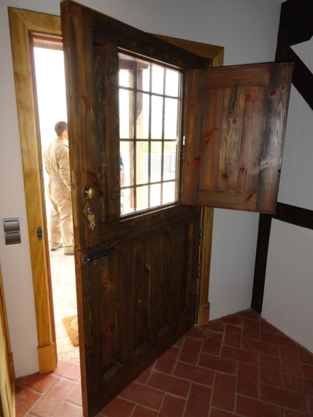Puerta de entrada a casa de campomuebles de la granja - Puertas de casa ...