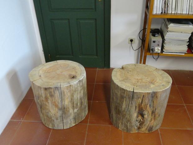 Troncos de madera de pino macizamuebles de la granja for Mesas de troncos de madera