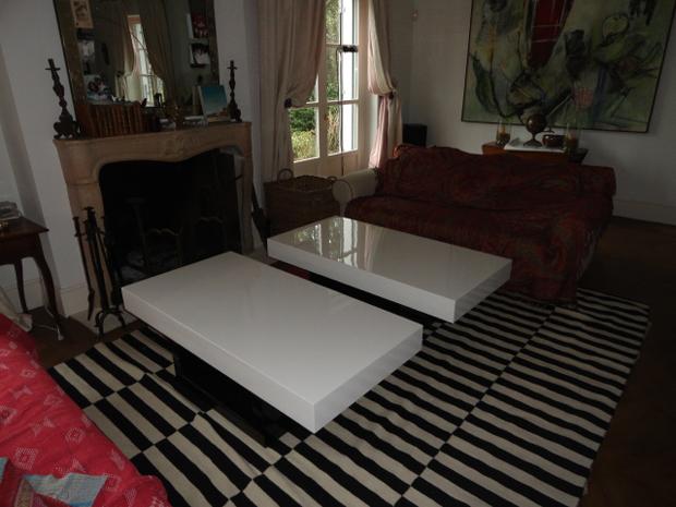 mesa blanco y  negro