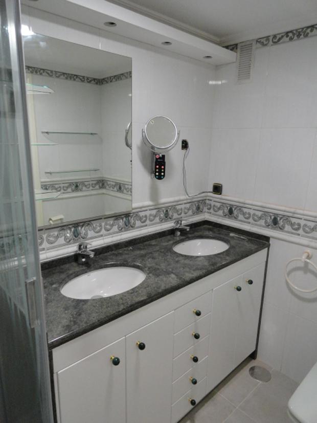mueble baño gris