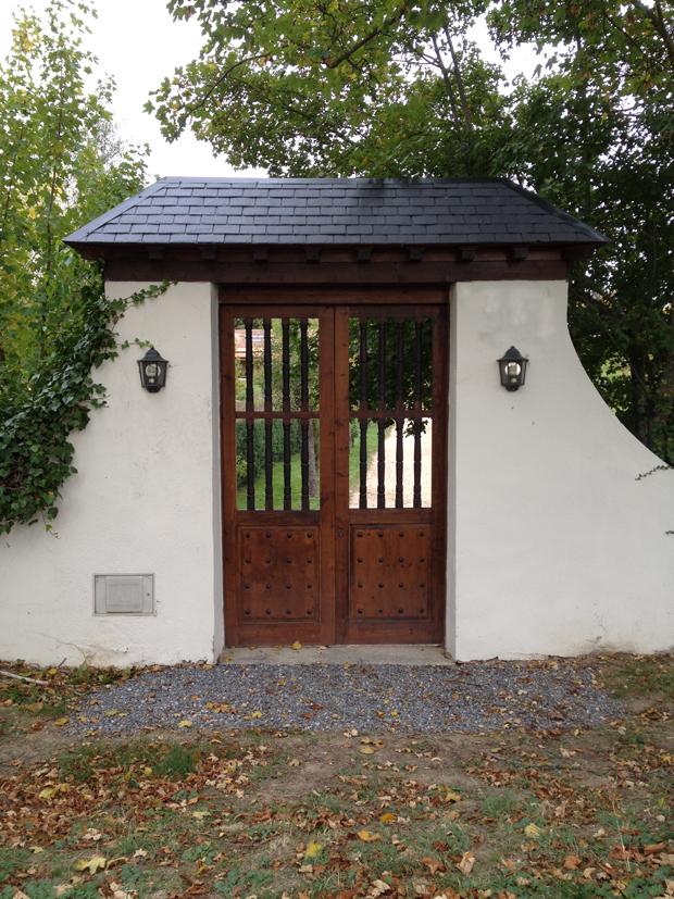 Portón de acceso a finca